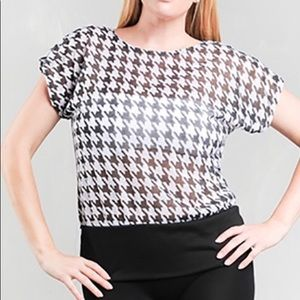 Black and White Pattern Short Sleeve Top - Plus